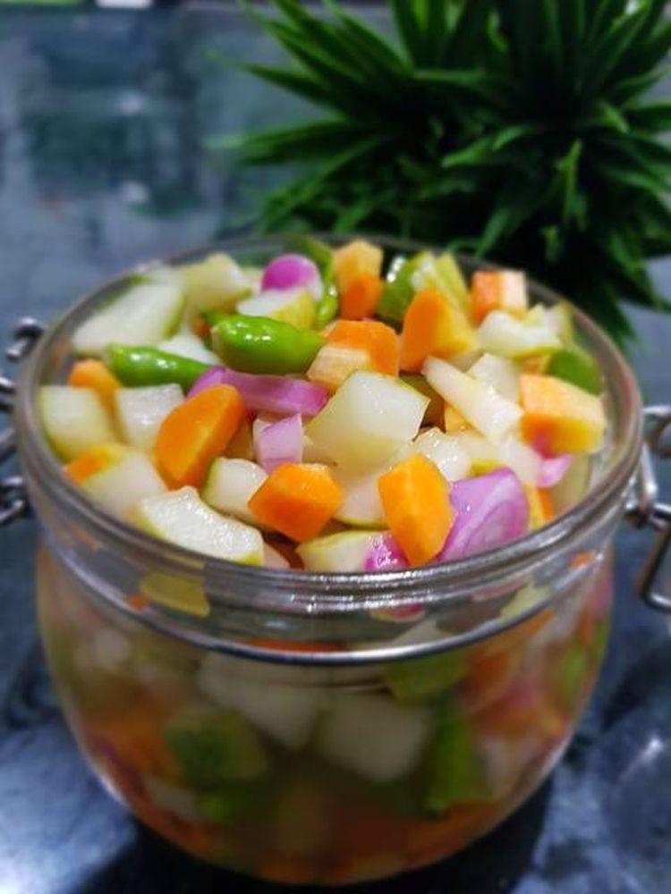 acar-mentah-timun-wortel