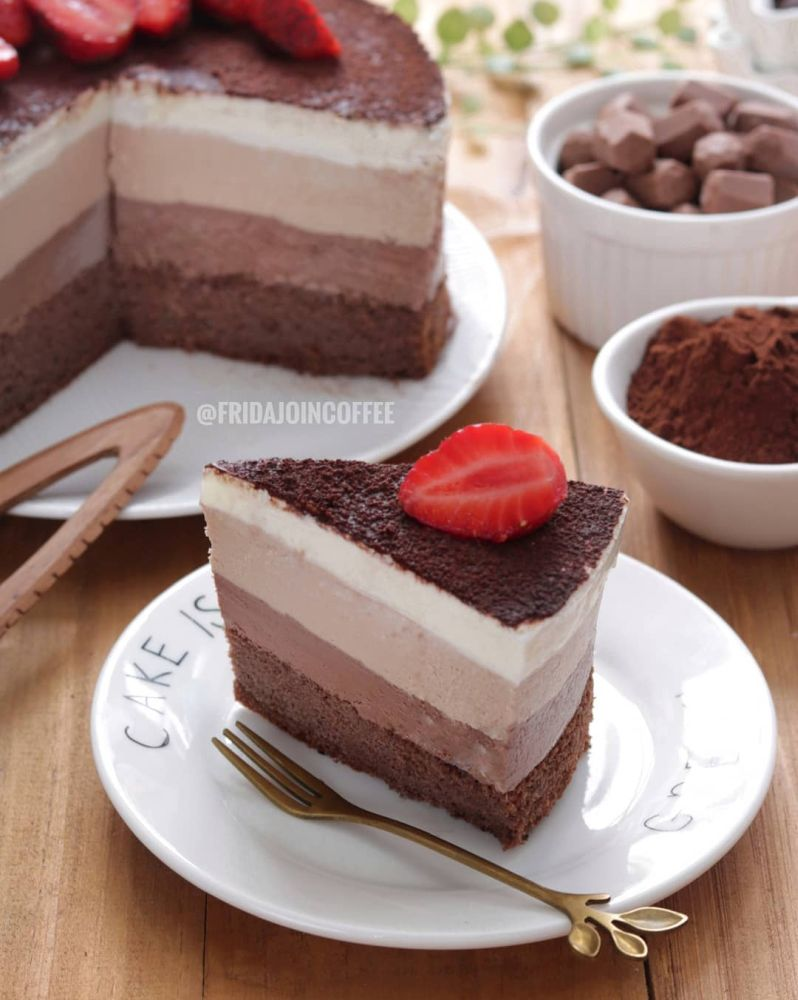 triple-chocolate-mousse-cake