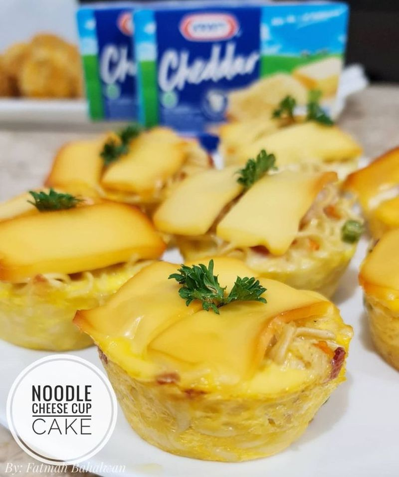 noodle-ceese-cup-cake