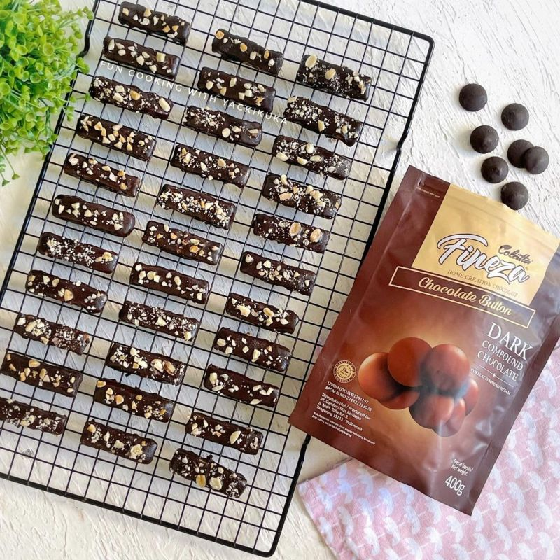salted-caramel-chocolate-clusters