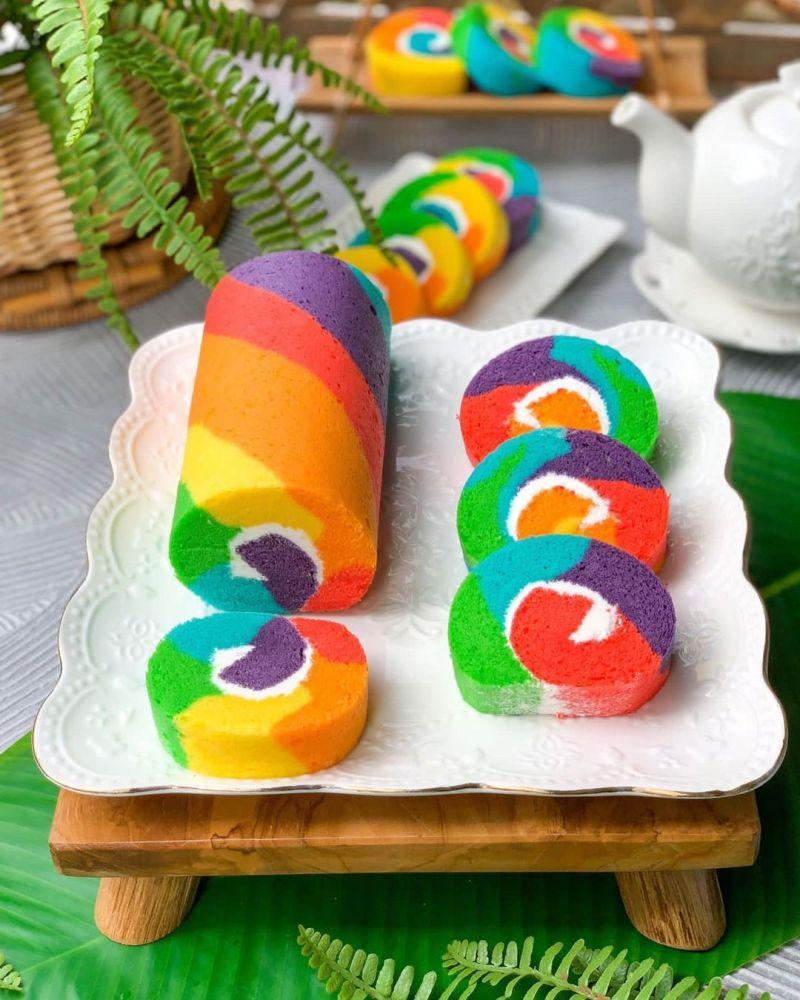 steamed-rainbow-roll-cake